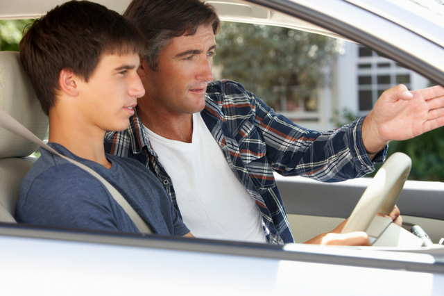7 Tips for Parents Teaching Their Teen to Drive